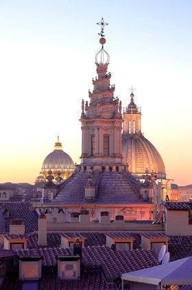 Kuppeln von Sant'Ivo alla Sapienza, Sant'Agnese in Agone und St. Peter, Rom
