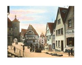 Bayern um 1900 in Farbe: Rothenburg ob der Tauber. Plönlein. Sieberstor und Kobolzellertor. Handkoloriertes Glasdiapositiv
