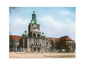 Bayern um 1900 in Farbe: München. Bayerisches Nationalmuseum. Handkoloriertes Glasdiapositiv