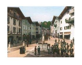 Bayern um 1900 in Farbe: Der Marktplatz in Berchtesgaden. Bayern. Deutschland. Handkoloriertes Glasdiapositiv