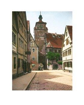 Bayern um 1900 in Farbe: Rothenburg ob der Tauber. Bayern. Der Weiße Turm der Stadtbefestigung. Handkoloriertes Glasdiapositiv
