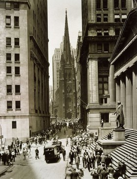 Alt New York: Trinity Church (M.), rechts Sub-Treasury und Denkmal für George Washington, Photographie