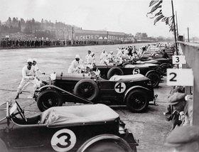 Der Start zum Great Motor-Race. Brooklands, England. Photographie