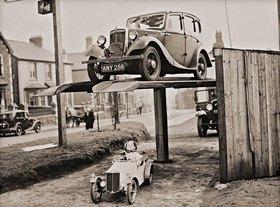 Großes und kleines Automobil. Photographie