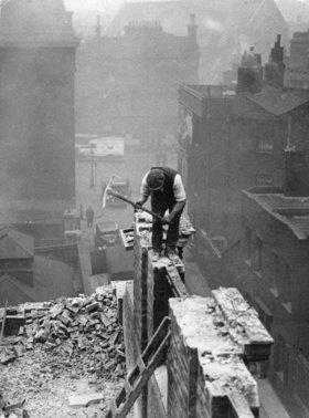 Abriss des Hauses in der Londoner Mint Street, in dem Oliver Twist lebte. Southwark. Photographie