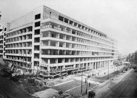 Der Ausstellungspalast in Prag. 1925 - 1928 von den Architekten Oldrych Tyl und Josef Fuchs gebaut