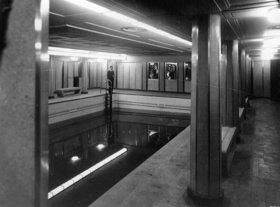 Swimming Pool der zweiten Klasse auf der Queen Mary, Southampton. England. Photographie