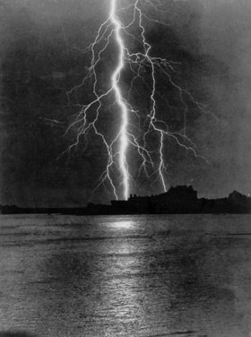 Gewitter über dem Meer. England. Photographie