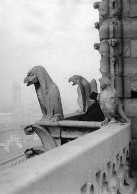 Skulpturen an der Fassade der Kathedrale von Notre Dame. Paris. Frankreich. Photographie