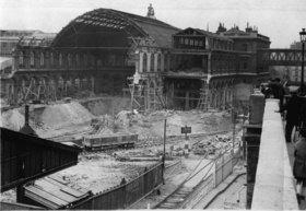 Bauarbeiten am Gare de l'Est. Paris. Photographie. Frankreich