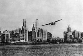 Dreimotoriges Transportflugzeug beim National Air Race. Chicago. Photographie