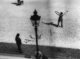 Artistenvorstellung auf der Straße. Photographie