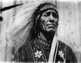 Pete Moore, vom Stamm der Passamaquoddy, als erster Indiander zum Abgeordnete im Staat Maine gewählt. USA. Photographie