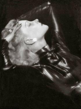 Madame d' Ora: Die russische Tänzerin Tania Mirova. Photographie von d'Ora