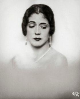 Madame d' Ora: Louise Eisner-Odescalchi. Photographie von d'Ora