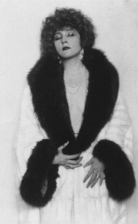 Madame d' Ora: Unbekannte Tänzerin