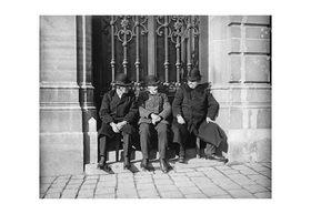 Emil Mayer: Drei Fiaker in der Pause in Wien