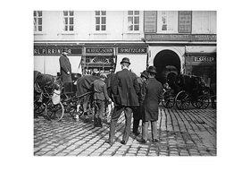 Emil Mayer: Der Einspännerstandplatz. Vor dem Großen Zwettlhof am Stephansplatz