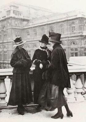 Madame d' Ora: Mode der Wiener Werkstätte
