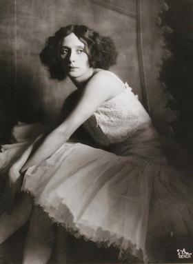 Madame d' Ora: Die russische Tänzerin Anna Pawlowa. Wien
