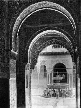 Gebrüder Haeckel: Spanien, Andalusien, Granada: Burganlage Alhambra, Loewenhof, Loewenbrunnen