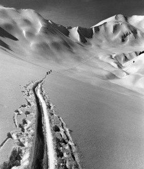 Oesterreich Vorarlberg : Wintersport, Langlaeufer im Grossen Walsertal