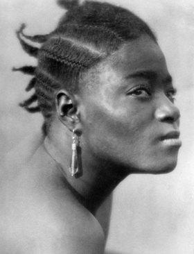 Martin Munkásci: Liberia, Portrait einer Kru Frau