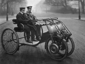 Old cars: Automobile with front wheel drive (Lawson, London)