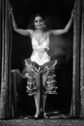 Revues & Variety shows Brazilian revue girl (Miss Anderson) of the 'Black People' in a Spanish costume