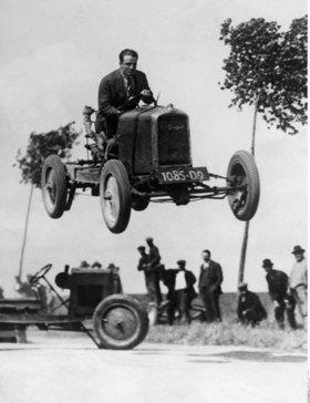 Springender Rennwagen