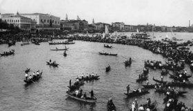 Regatta der Gondolieri am Namenstag des hl. Marcus
