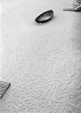Ursula Zeidler: Boot am Strand